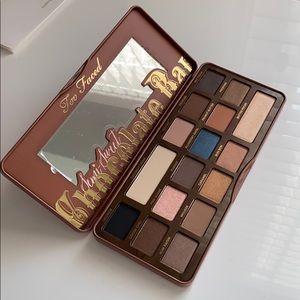 NEW too faced semi sweet chocolate eyeshadow